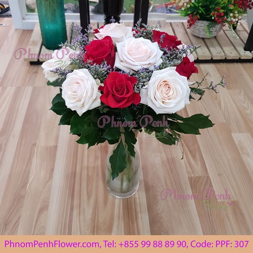 12 red & pink roses in glass vase, PPF-307