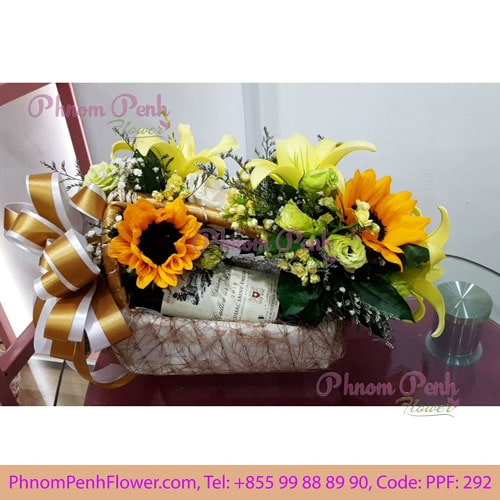 Red Wine gift with flower decoration - PPF -292