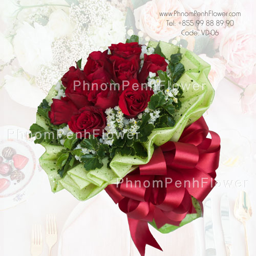 12 Red roses bouquet -VD-06
