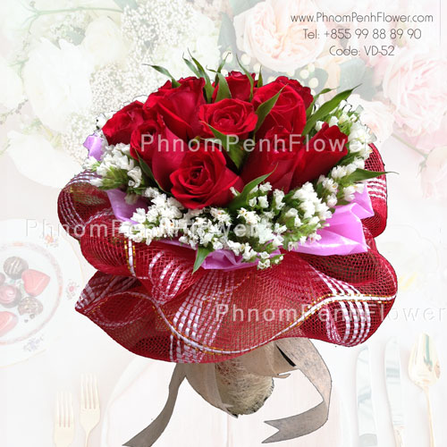 hand bouquet of 12 Red roses -VD-52
