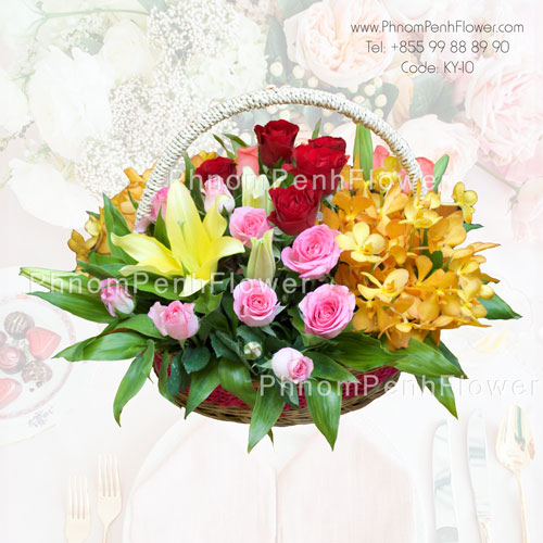 Mixed Seasonal flower basket – BW-11
