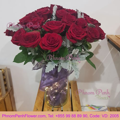 24 Premium red roses in glass vase