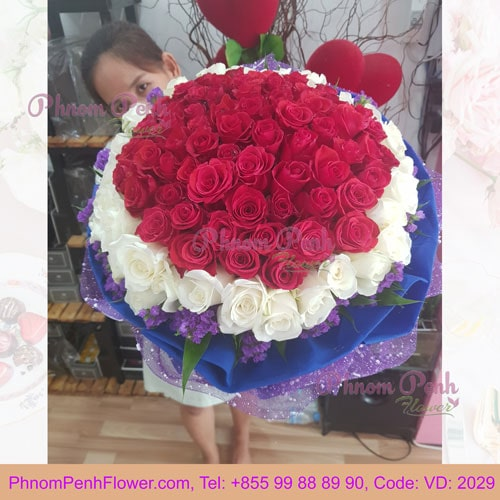 VD-2029 - Beautiful bouquet of 99 white & red roses